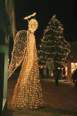 Weihnachtsbeleuchtung lichtdekoration winterbeleuchtung for Professionelle weihnachtsbeleuchtung