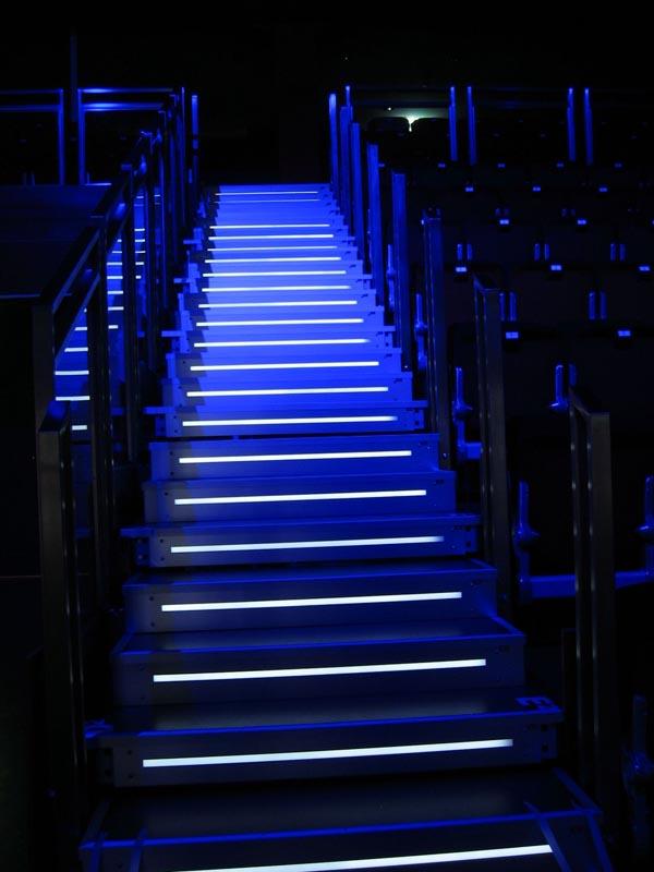 lightec gmbh led rgb led stufenbeleuchtung. Black Bedroom Furniture Sets. Home Design Ideas
